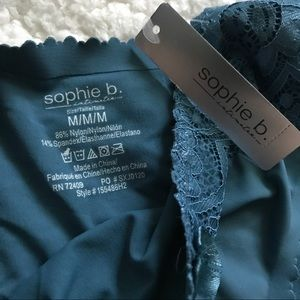 sophie b. Intimates & Sleepwear - NEW Sophie B Invisible edge hipster panties Lace